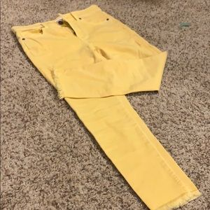 Ann Taylor Loft  27 4P Petite yellow cropped pants